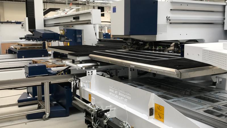 Nova Role - der Testbetrieb der neuen Stanzmaschine TruPunch 5000 wurde gestartet.