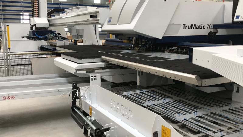 Nova Role - der Testbetrieb der neuen Stanz-Laser Maschine TruMatic 7000 wurde gestartet.