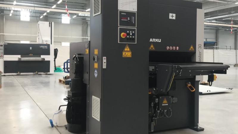 Nova Role – wir haben eine neue ARKU Richtmaschine installiert.