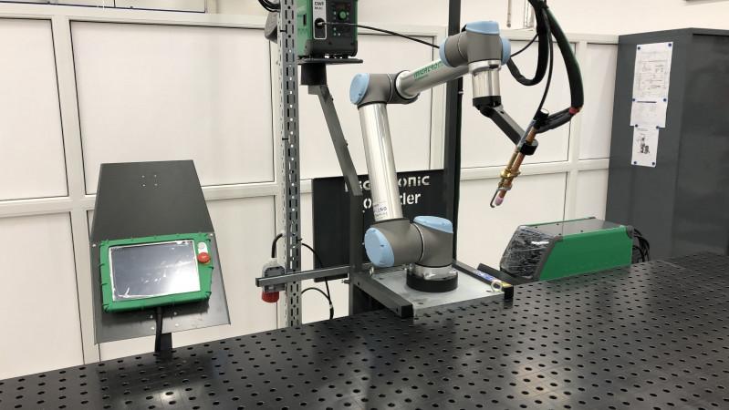 Wir haben einen neuen kollaborativen Schweißroboter CoWelder UR-10 installiert